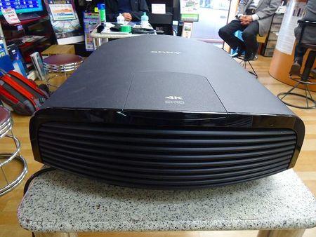 SONY ビデオプロジェクター  VPL-VW1000 V/U