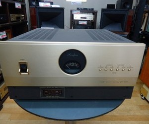 Accuphase  クリーン電源  PS-1220